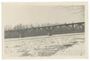 Idol's Dam and Power Plant on the Yadkin River. Photo shows ice/snow ...